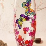 The idea to decorate vases