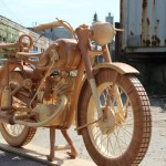 A talented person made this. Wood motorcycle