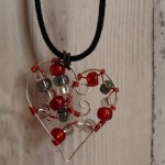 Handmade suspension of the wire in the form of hearts