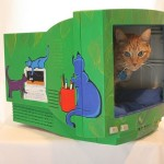 Houses for cats of old monitors