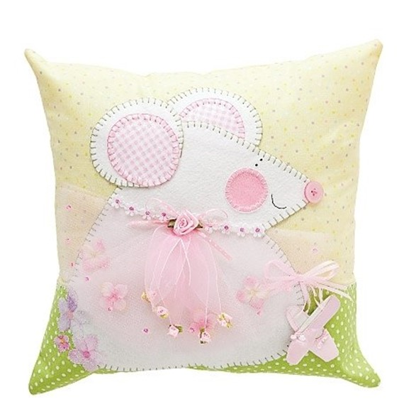 creative approach to making of decorative pillows for girls. ideas Making Decorative Pillows