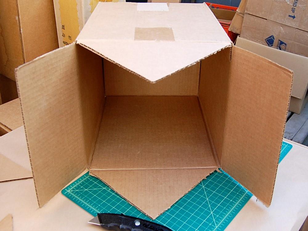 Как просто сделать из картона домик