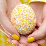 Looking for Easter craft ideas for adults and children? Try to make this Easter eggs from beads