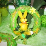 Easter wreaths in the interior: ideas