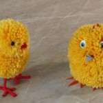 Cute Easter crafts for children: homemade chickens out of pompoms