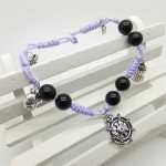 Simple gifts for mum: Bracelet with black agate