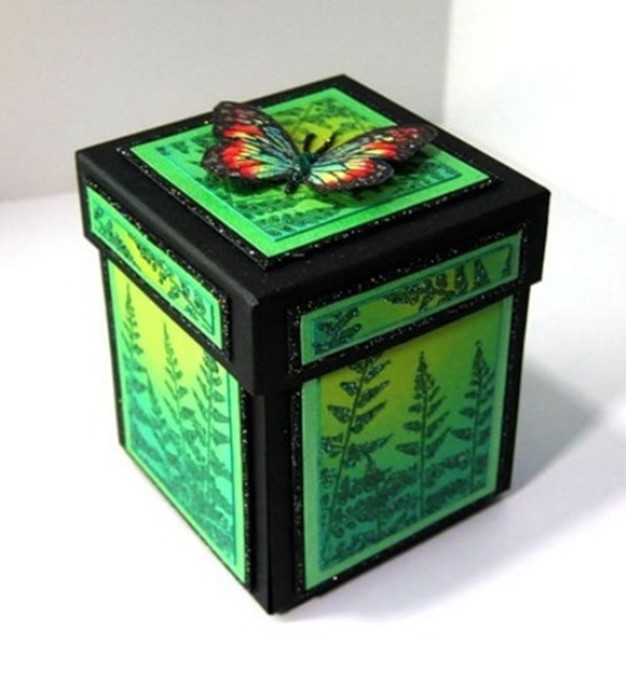 Such A Bright Box With Surprise Is Wonderful Gift For Mothersday In Addition You Can Give This Present Birthday To Mom Girlfriend And Or Sister