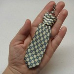 Fresh homemade fathers day gift ideas: Keychain with a tie.