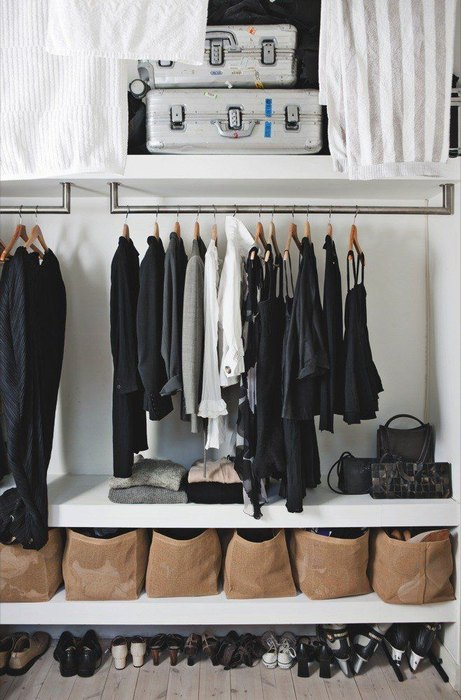 Make a mini wardrobe in a niche