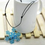 Christmas souvenir ideas – snowflake beaded